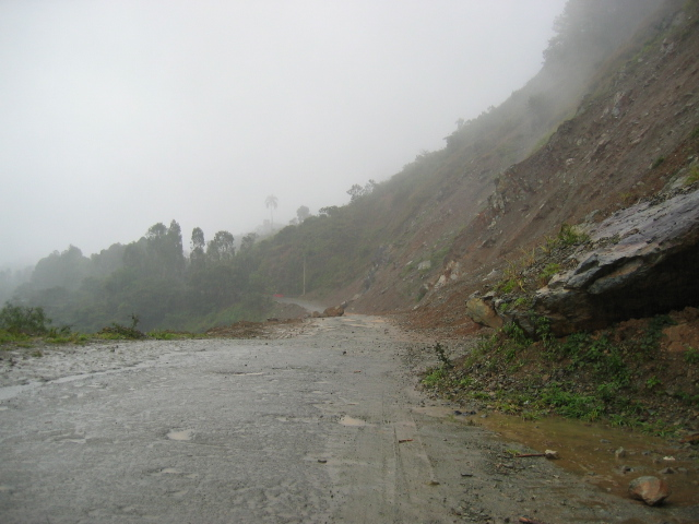 Rockslide on highway near Manabao